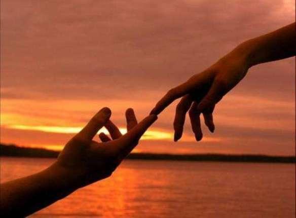 manos hombre y mujer
